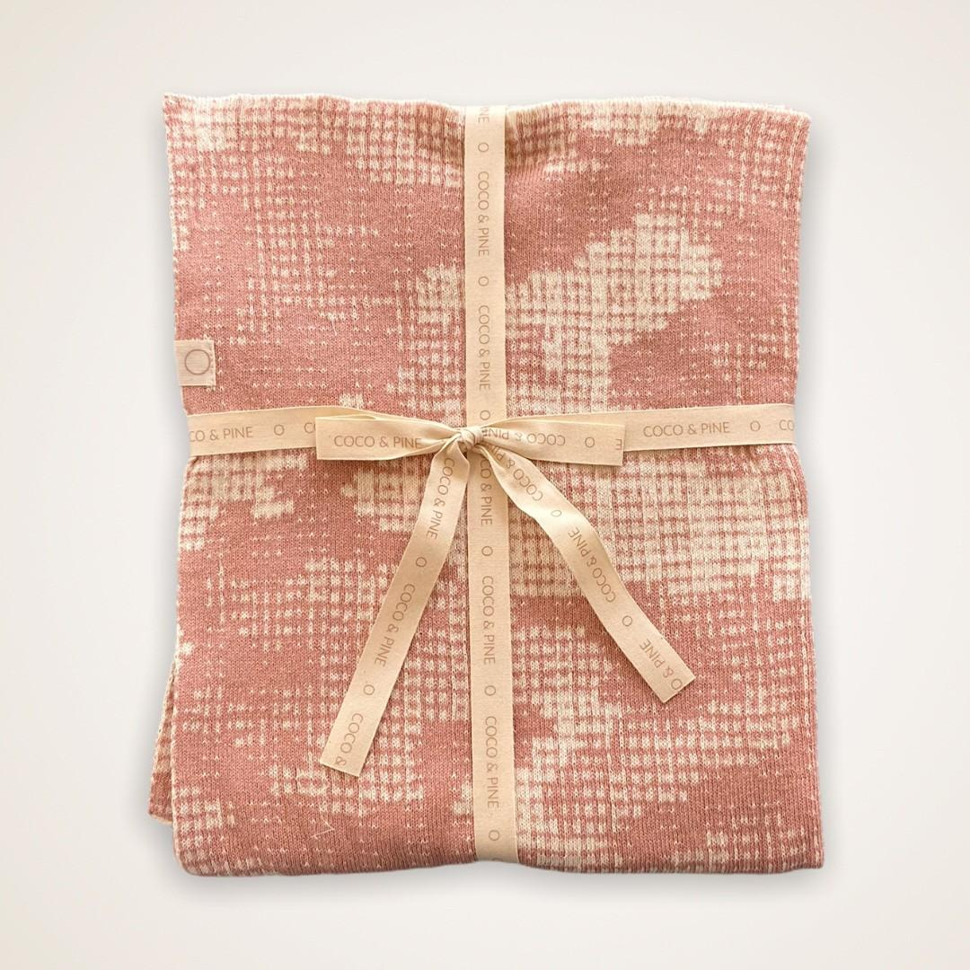 Coco & Pine - Dekentje ecru/pink Knitted Collection