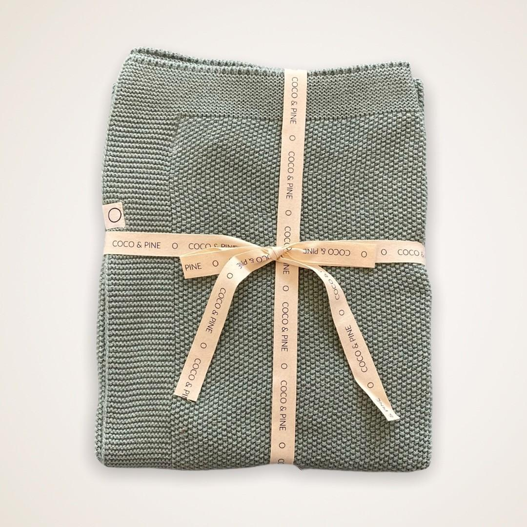 Coco & Pine - Dekentje groen Knitted Collection